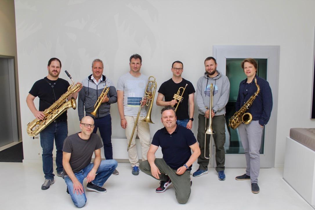 Die Brass-Crew